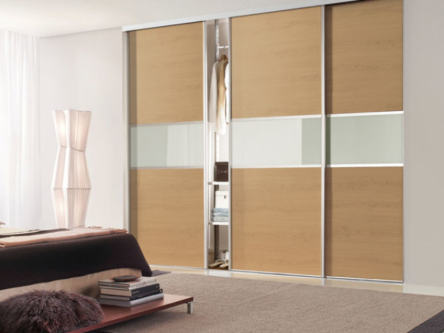Sliding Wardrobe Silver Frame, Oak and Glass - 3 Panel Fineline